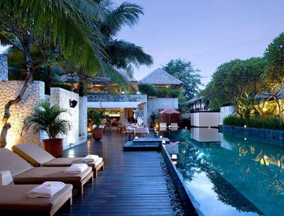 karmajimbaran resort, Bali / google.com