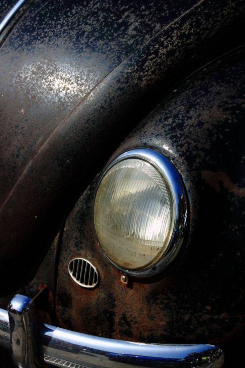 browndresswithwhitedots.tumblr.com