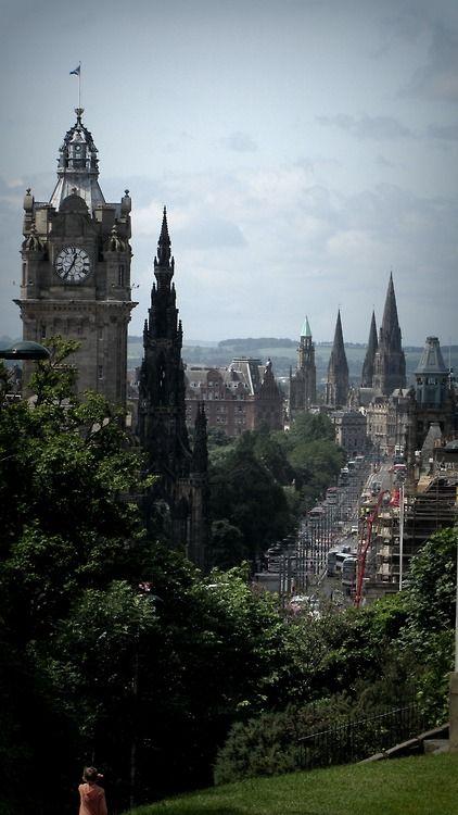 lndnwlkr.tumblr.com princes street, Edinburgh, Scotland